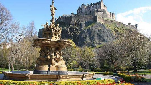 Edinburgh, 1,256,000 visitors in 2012