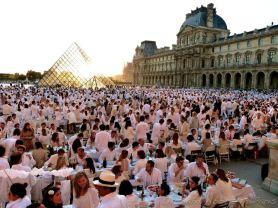 dinner in white, Paris