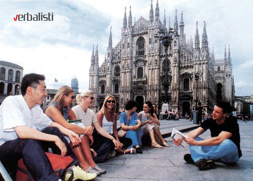 Italian language class in front of Duomo, Verbalisti