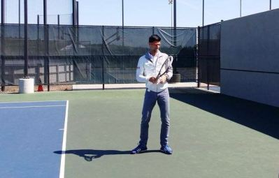 Novak playing with Google glasses