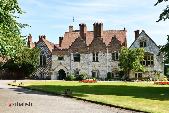 Players have the opportunity to attend for one or two weeks, at Bisham Abbey or Bradfield College (photo)
