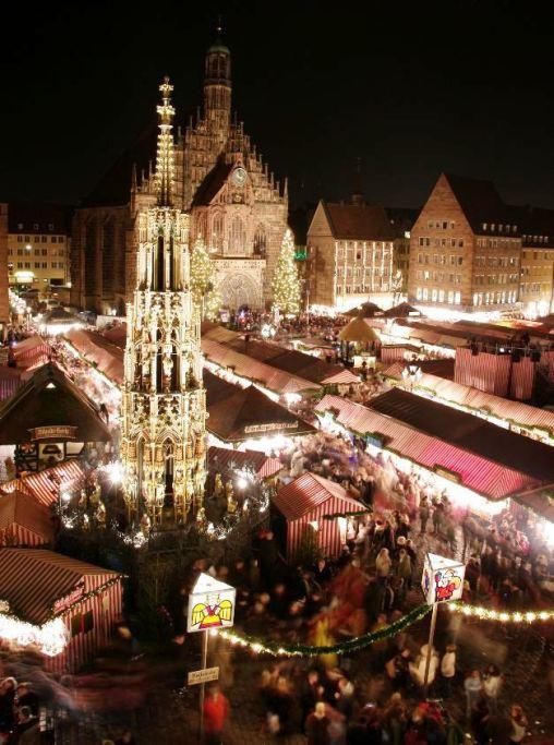 Christmas market (Christkindlesmarkt) in Nuremberg