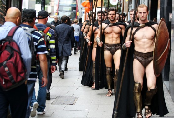 Best flash mobs - 300 Spartans in London